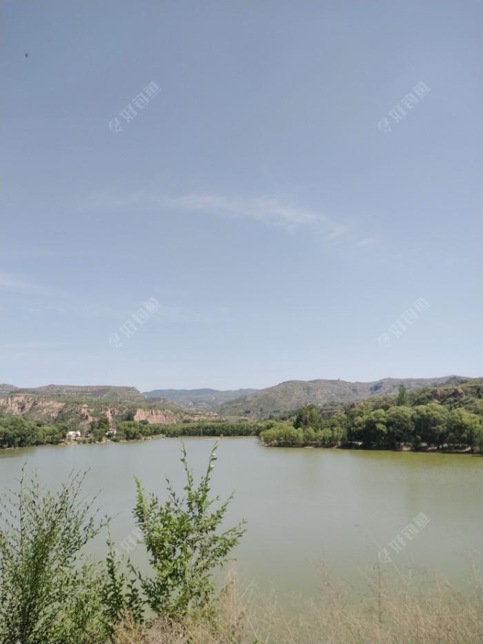 石母水库全景。
