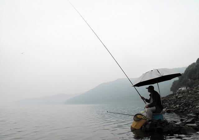 想钓大鱼,赶紧放弃这9种海竿错误使用手法