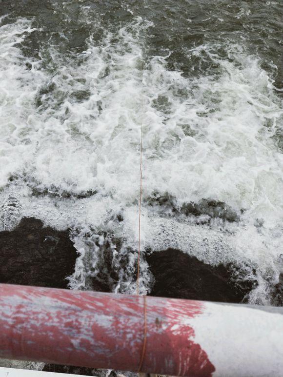 激流处钓鱼技巧,九成五的钓友想不到这种地方能钓鱼