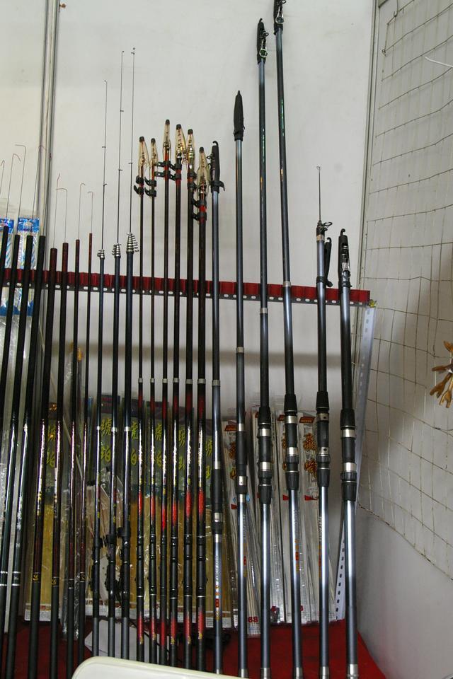 釣了這么多年魚發現還是拋竿用著得勁兒,十七種拋竿釣法