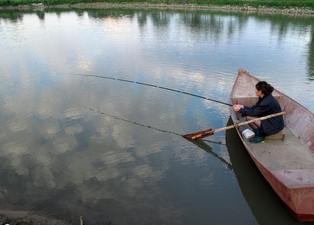 秋季大风大浪天里想钓好鱼?这几点做到位了即可