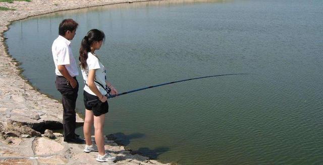 秋季钓鱼天天都是好日子?想得美,遇到以下4种天气还是在家歇吧