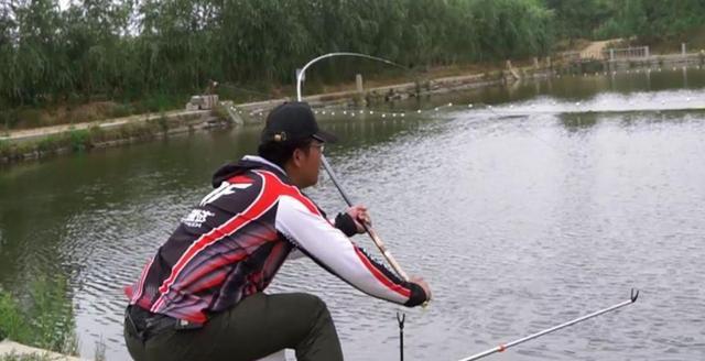 钓鱼时一个不经意的操作,竟是切线的罪魁祸首