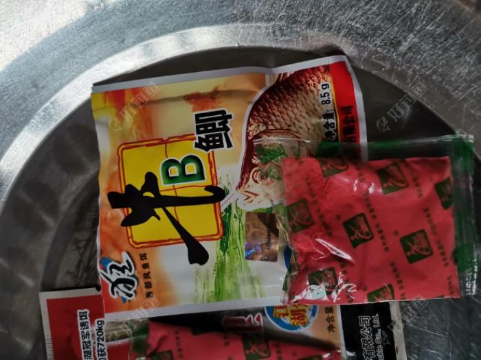 红色牛逼鲫,只在包装袋上区分,这个大家都应该清楚吗。