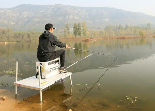 冬钓鲫鱼的过程中,需要钓友时刻牢记的3个钓法技巧