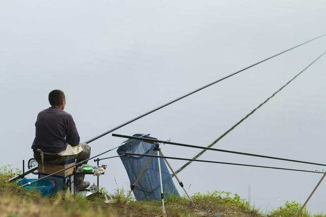 钓鱼有多费钱?60%的开支花在这,并不是鱼竿