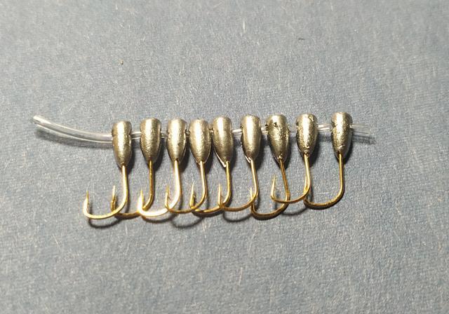 笨重的铅头钩,钓不了轻口鱼?不,朝天钩冬钓更高效