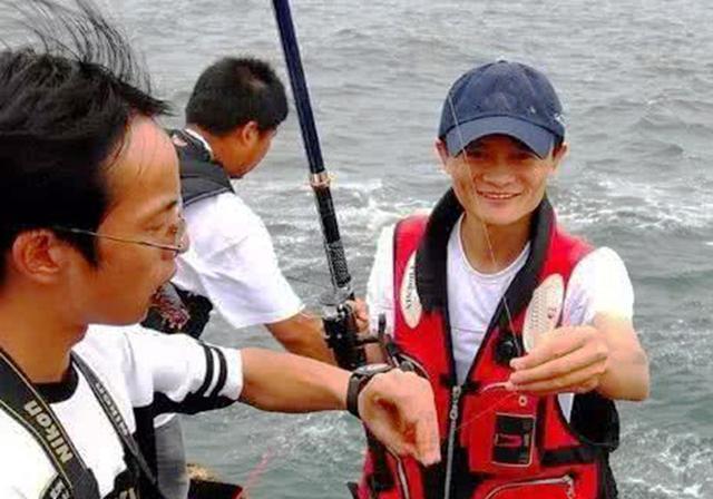 钓鱼不只普通人喜欢,这些名人也喜欢钓鱼