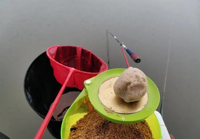 坑先学会打散炮,干货分享:低密度鱼情散炮的用法