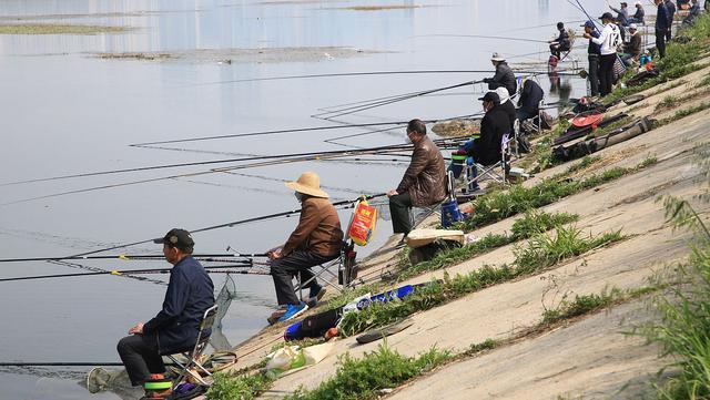 春钓浅滩钓位这样选,钓鱼更容易,渔获起码翻一倍