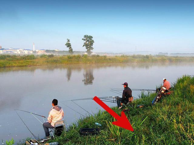钓鱼时,它不会影响渔获,但会影响钓友的安全