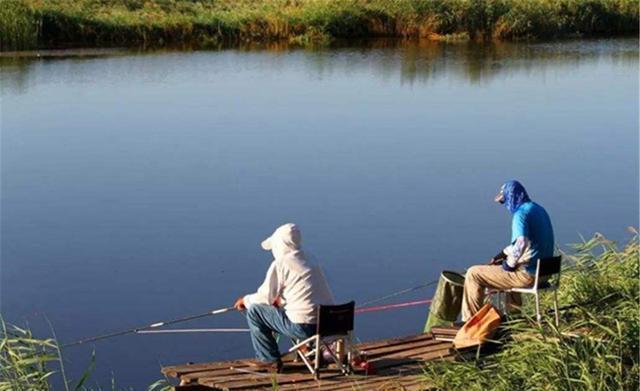 夏季钓鱼困难多,5种天气别出门,2种钓位不下竿(图7)